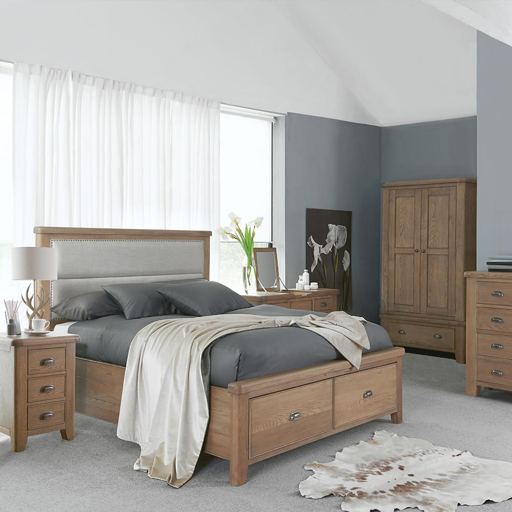 Chatsworth Oak Bedroom Furniture