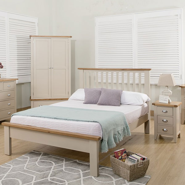 Chester Oak Bedroom Furniture in Grey Painted