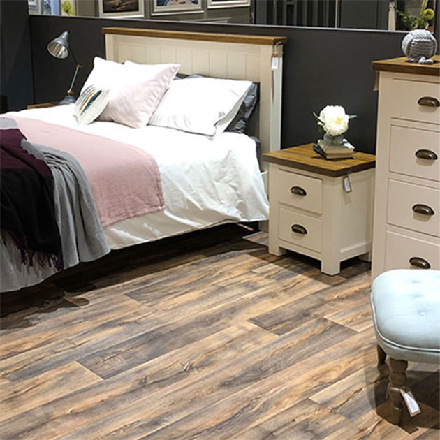 Cotswold Rustic Pine in White Bedroom Furniture