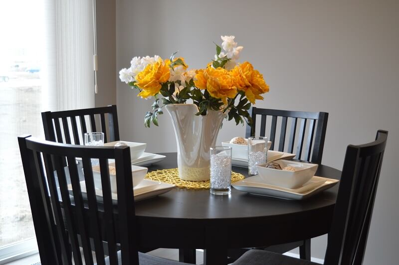 Round Or Rectangular Dining Table: What Shape's Best?
