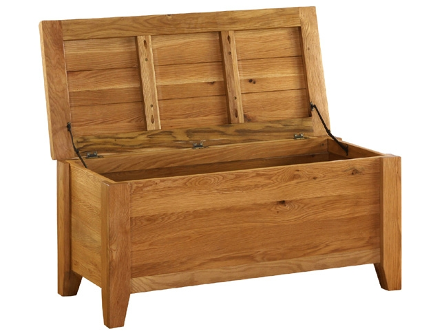 Hampshire Oak Blanket Box