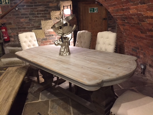 Acepello Kidney End Fixed Top Dining Table